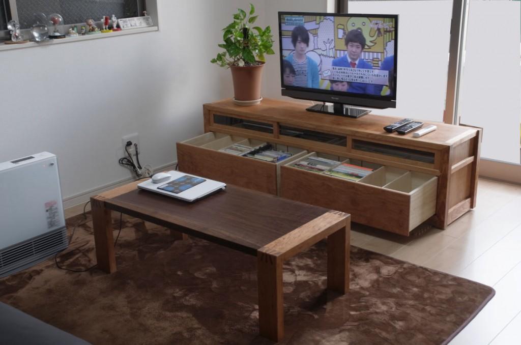納品の終わったテレビボードとセンターテーブル