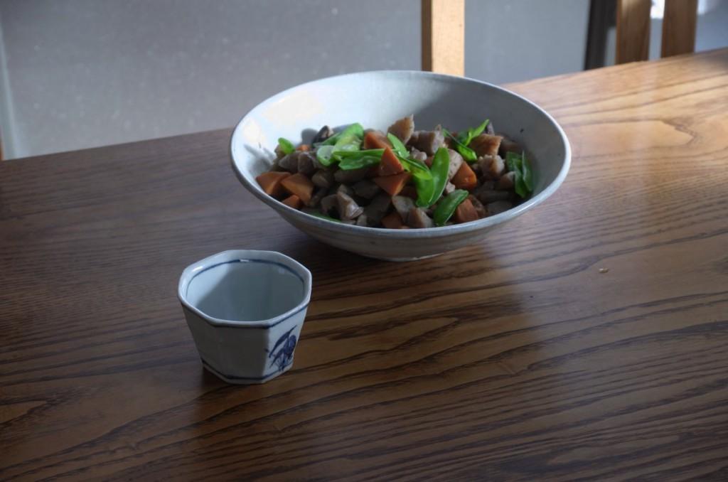 永田さんのてびねりの小鉢と菅原さんの8寸粉引きの鉢