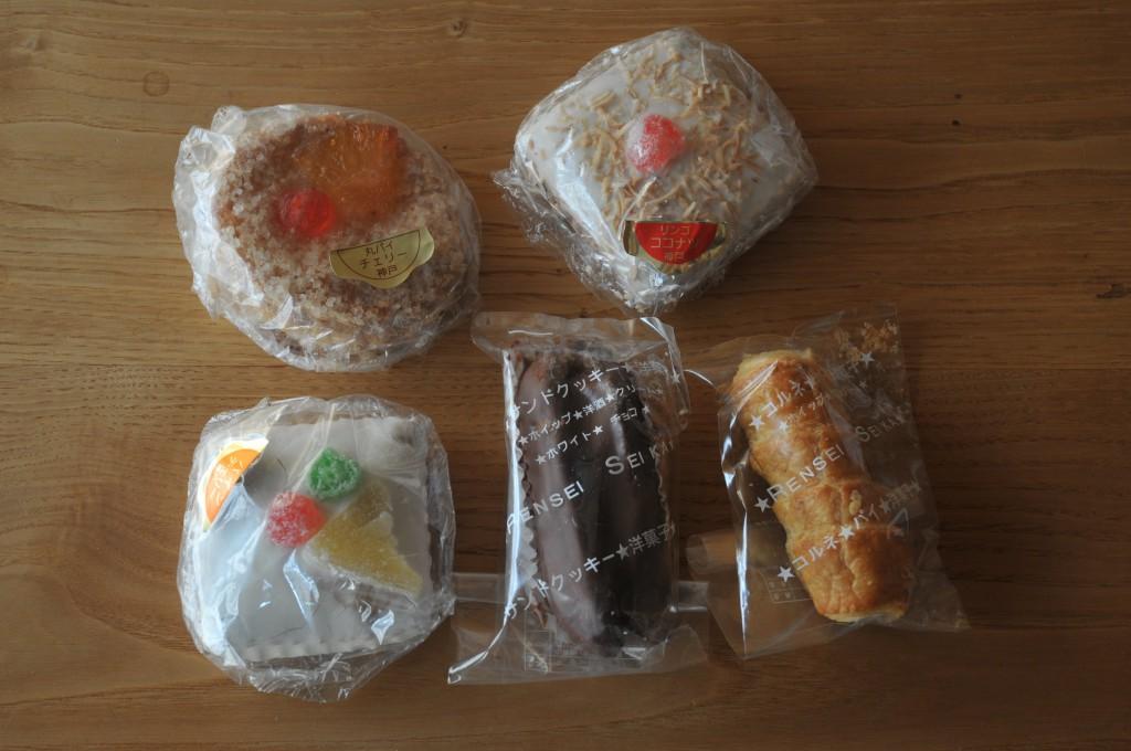 どれも1個100円。我が道を往く昔ながらの洋菓子