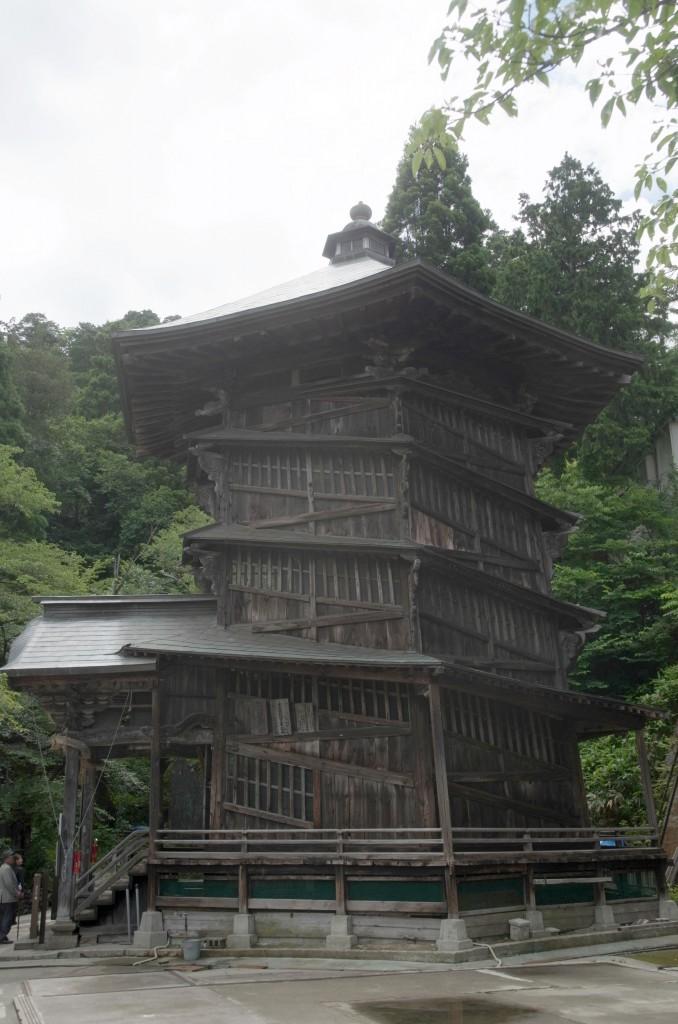 会津さざえ堂(側面)
