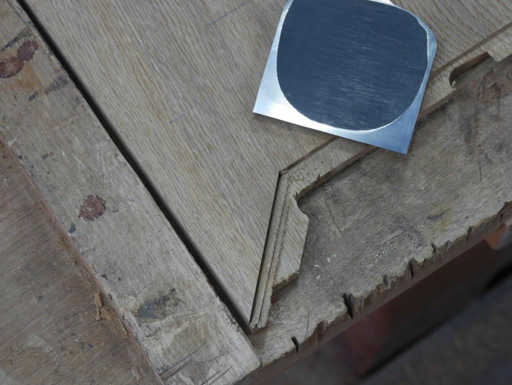机の天板の端ばめ加工