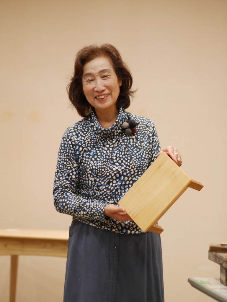 昨日は中井さんの鉋かけ、本日はテーブル作りのワークショップに参加して頂きました。