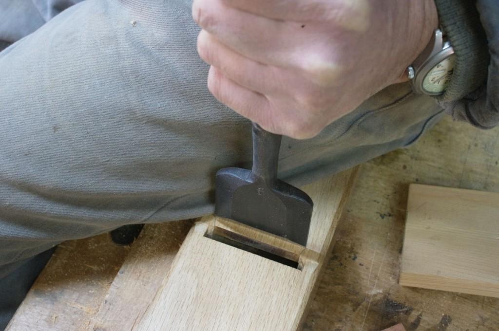 2寸の鑿が、この寸6の台にピッタリ合う。
